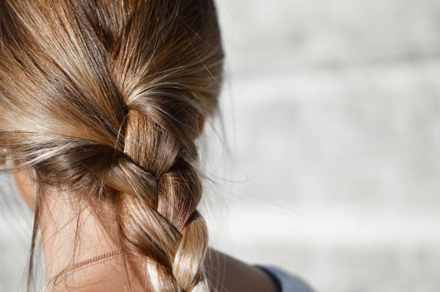 Mechaniczne niszczenie włosów