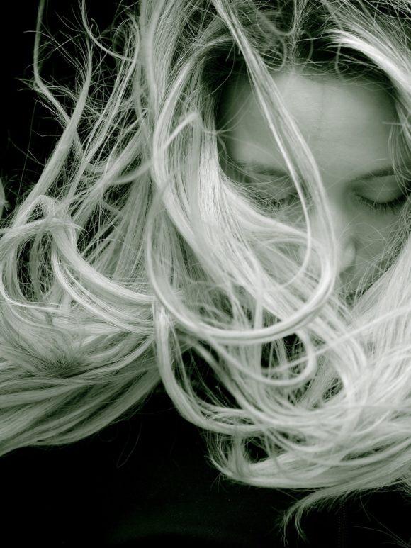Przygotowujemy włosy do wiosny! Skorzystaj z naszych rad i ciesz się udaną fryzurą